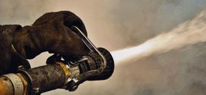 (foto) Bomberos contienen incendio en R�o Negro
