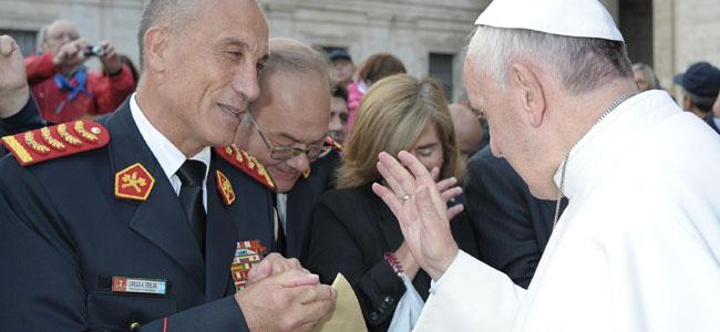 Ferlise recibió la bendición de Francisco para todos los bomberos de América