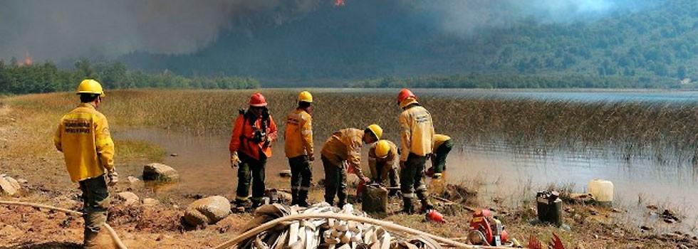 Bomberos Voluntarios de la provincia de Buenos Aires se sumaron al combate del fuego en Chubut