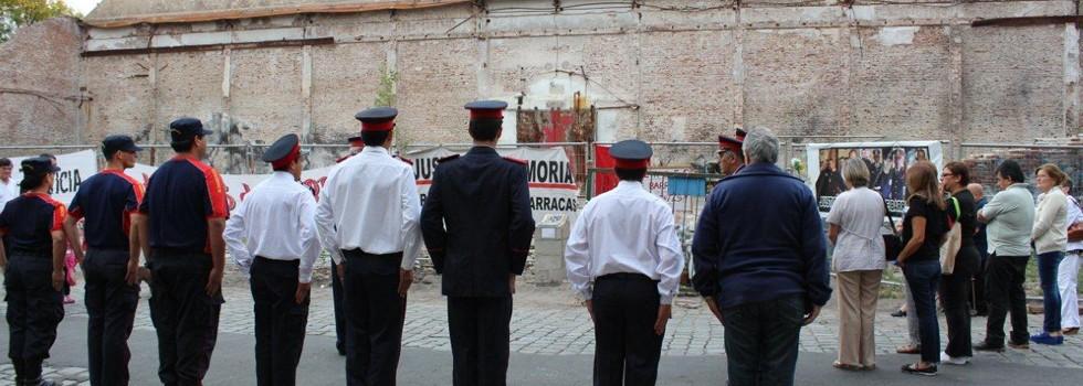 Fundación Bomberos de Argentina participó del homenaje mensual a los bomberos caídos en Barracas