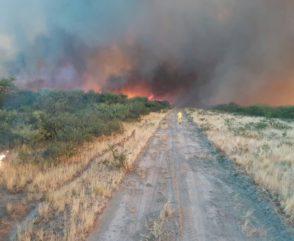 Bomberos en alerta frente a los incendios e inundaciones que afectan a varias provincias