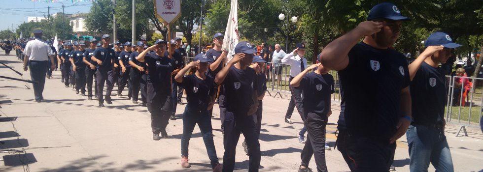 Con un desfile por la ciudad de Oncativo concluyó el Encuentro Nacional de Cadetes