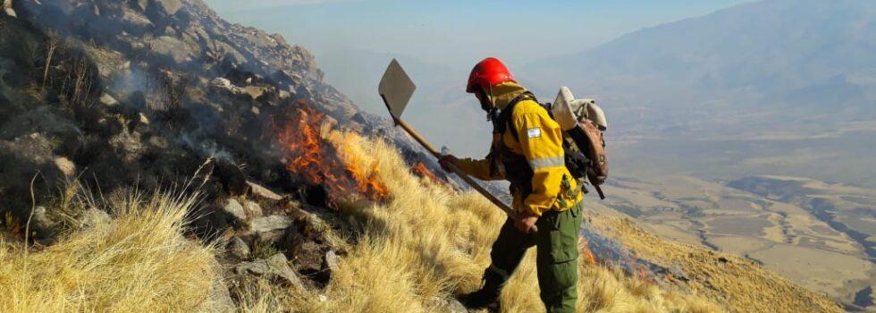 Bomberos Voluntarios en alerta por los incendios forestales